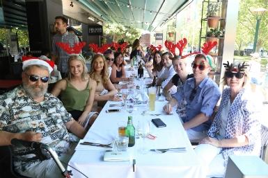 Bữa trưa Giáng Sinh tại nhà hàng Ludlow