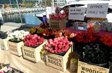 Phiên chợ cuối  tuần bên cạnh bờ biển xinh đẹp khu vực Docklands