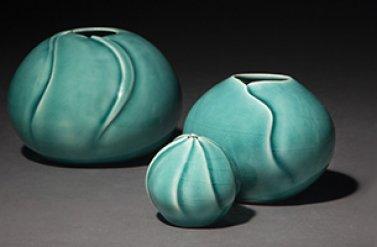 Triển lãm các tác phẩm nghệ thuật làm từ gốm sứ với tên gọi Enthralled